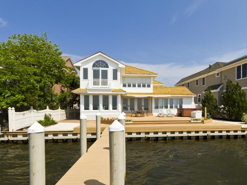 Einfamilienhaus für Verkauf beim Spectecular Bayfront Location 113 Pershing Bloulevard Lavallette, New Jersey 08735 Vereinigte Staaten