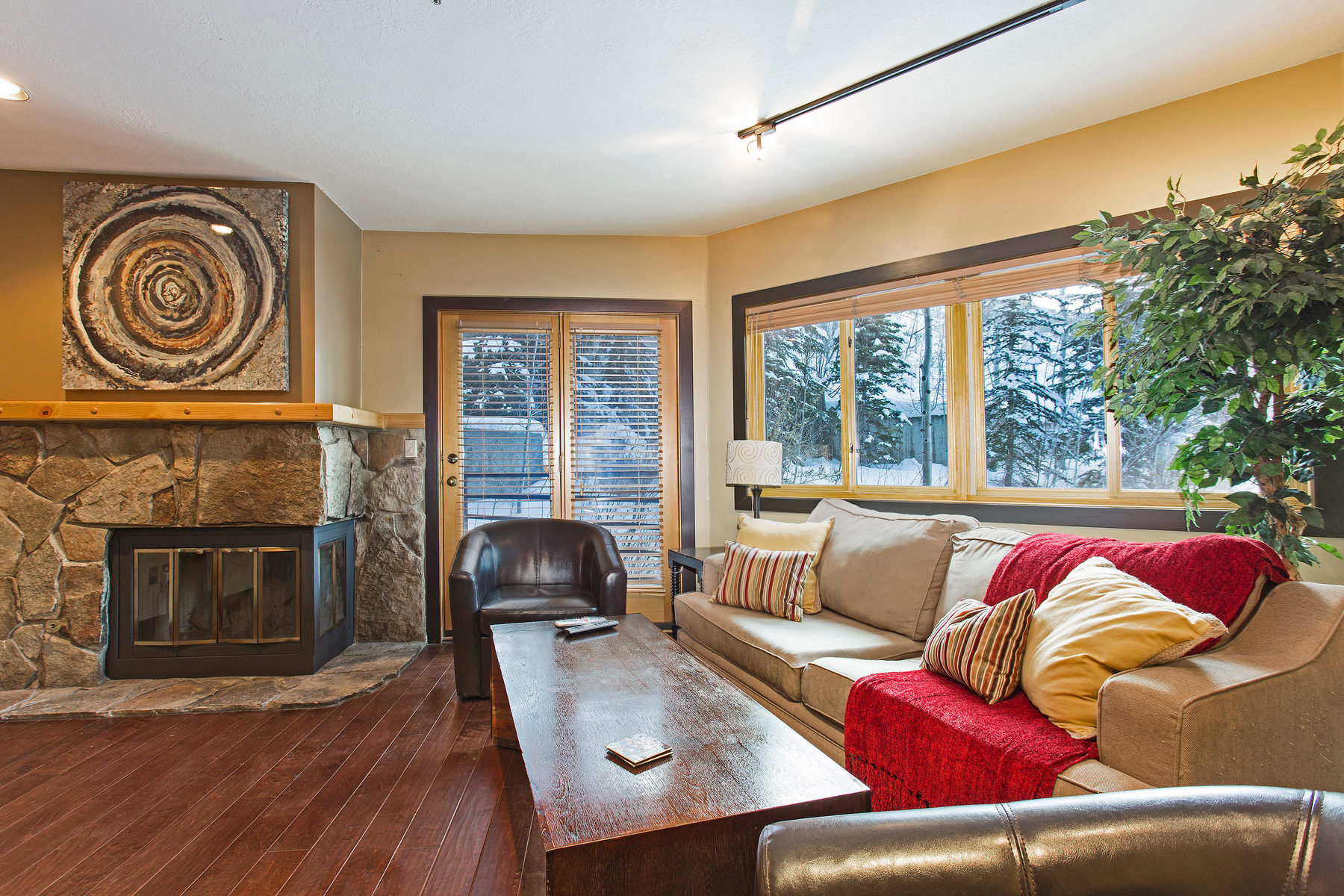 sales property at Stylish Deer Valley Courchevel Condo
