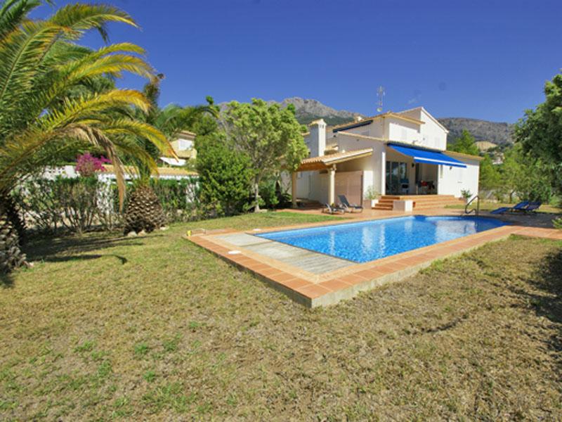 Nhà ở nhiều gia đình vì Bán tại Lovely quiet villa near golf course with views Altea, Alicante Costa Blanca 03590 Tây Ban Nha