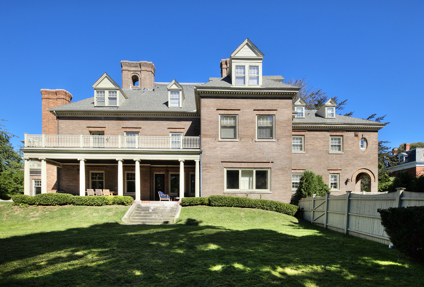 Additional photo for property listing at Historic In-Town Estate: Commodore William Edgar House 25 Old Beach Road Newport, Rhode Island 02840 United States