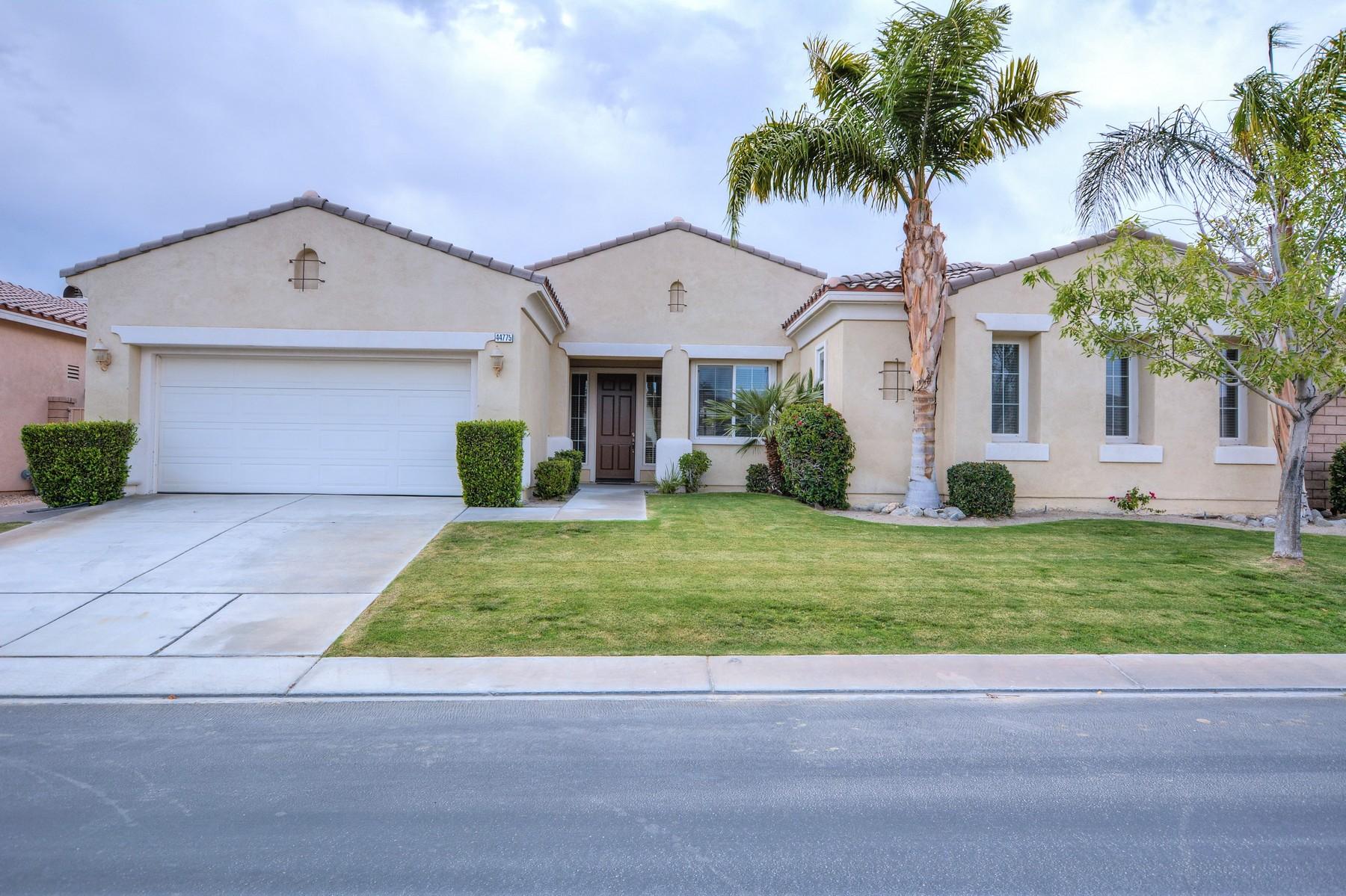 独户住宅 为 销售 在 44775 Via Alondra La Quinta, 加利福尼亚州, 92253 美国