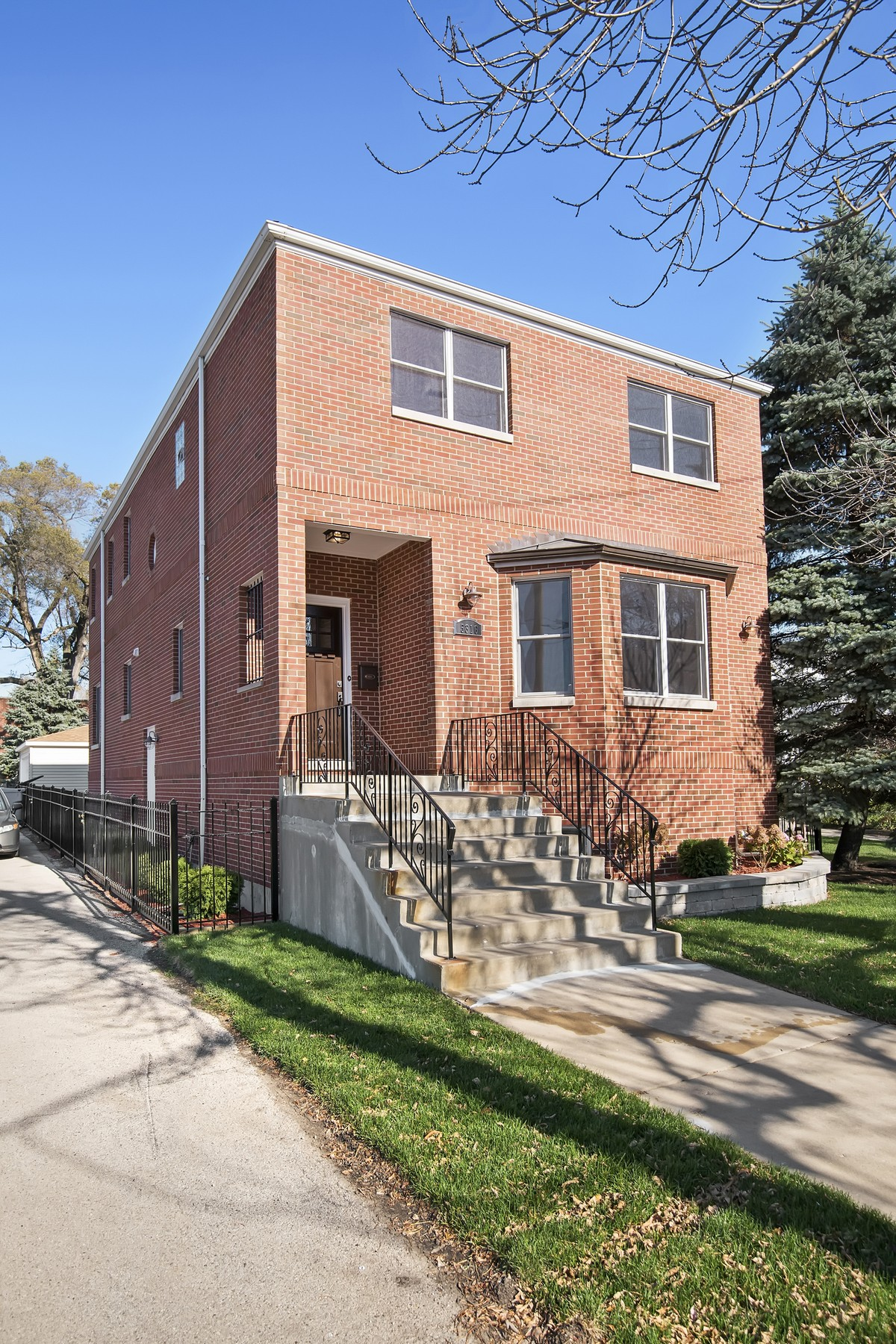 sales property at Lincoln Square Single Family Home