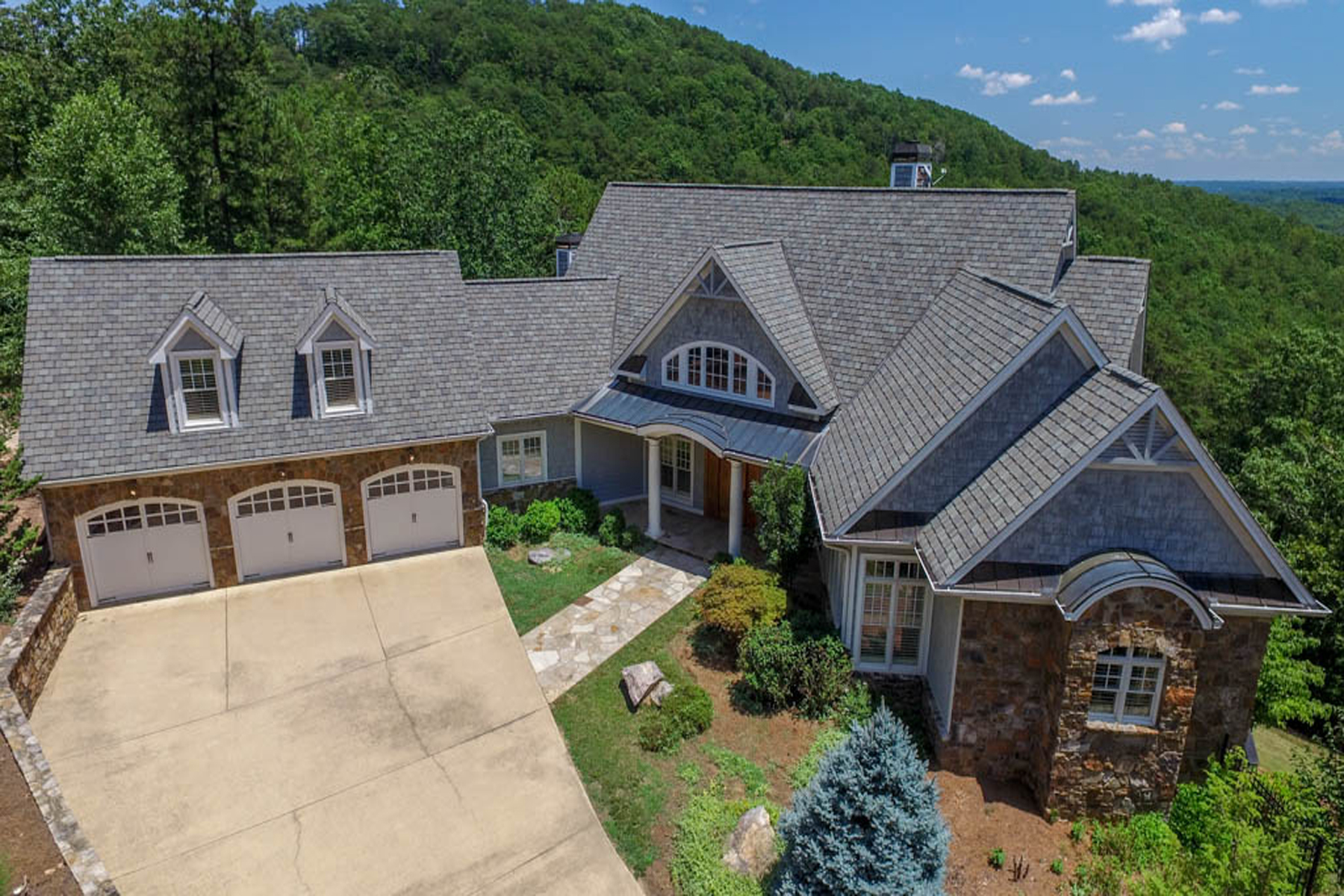 Additional photo for property listing at Red Top Mountain Show Stopper 17 Signal Mountain Drive Cartersville, Georgië 30121 Verenigde Staten