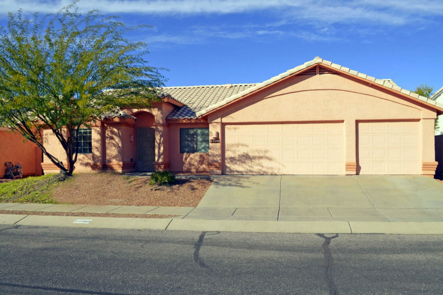 Property For Sale at Cozy Home In The Desirable Canada Hills Community In Oro Valley