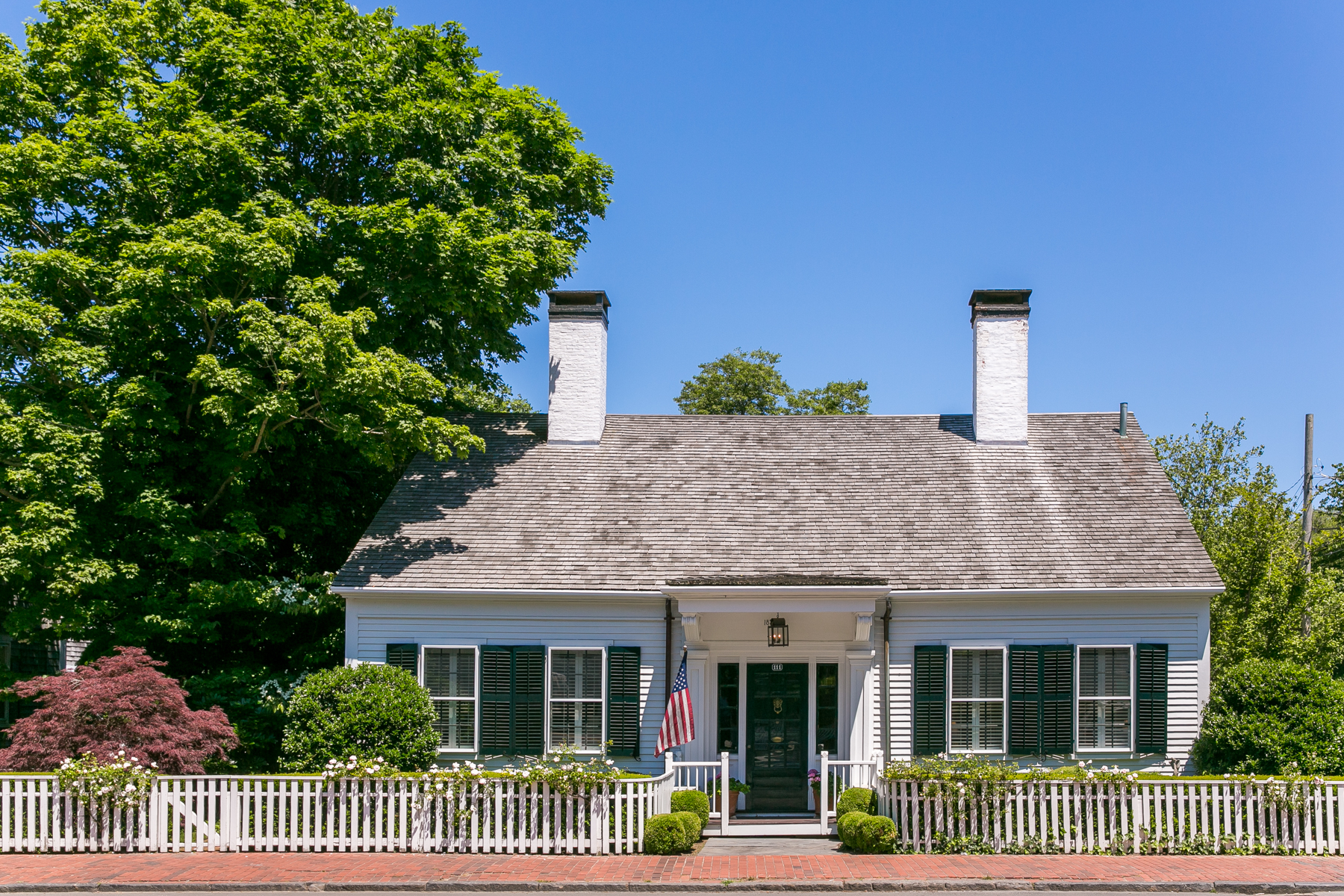Villa per Vendita alle ore Downtown Edgartown Estate 111 Upper Main Street Edgartown, Massachusetts, 02539 Stati Uniti
