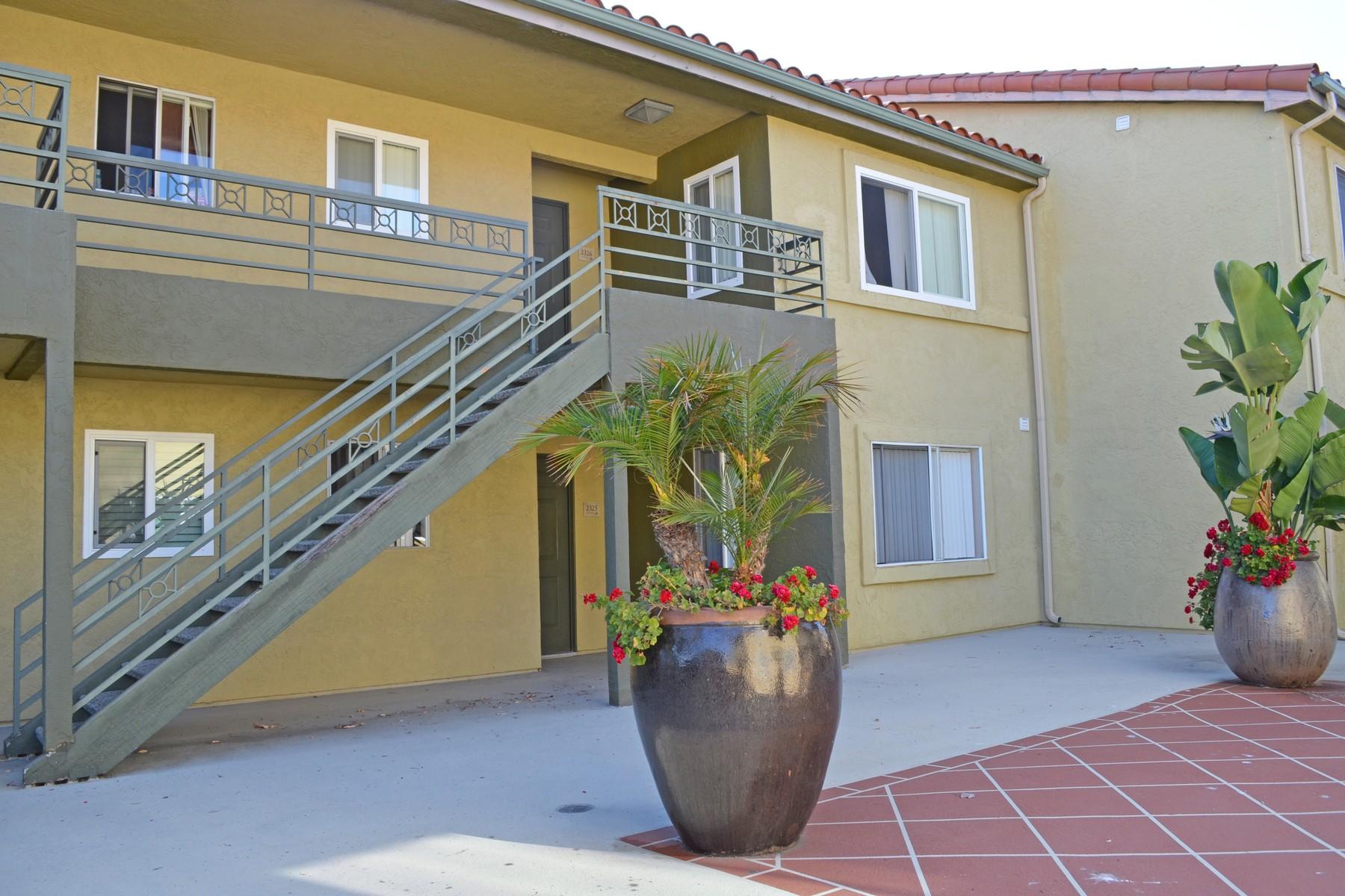 Appartement en copropriété pour l Vente à 7405 Charmant Drive Unit 2326 San Diego, Californie, 92122 États-Unis
