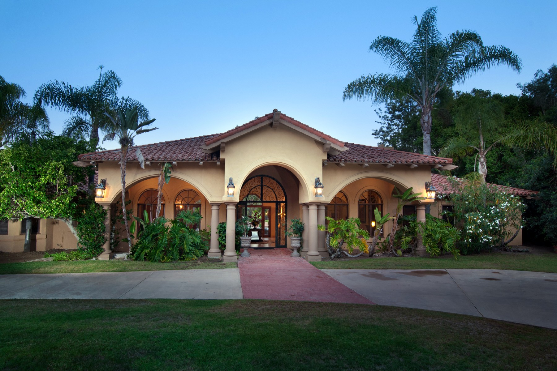 Additional photo for property listing at 1625 Highland Cove  Solana Beach, California 92075 United States