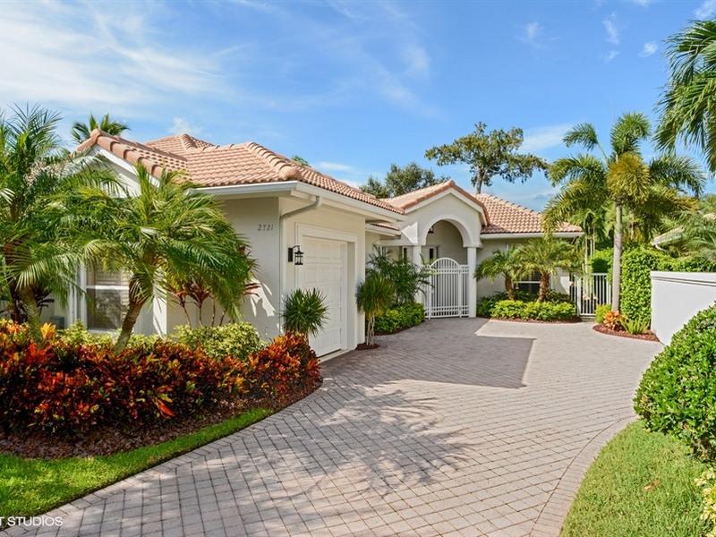 Vivienda unifamiliar por un Venta en 2721 Twin Oaks 2721 Twin Oaks Way Wellington, Florida 33414 Estados Unidos