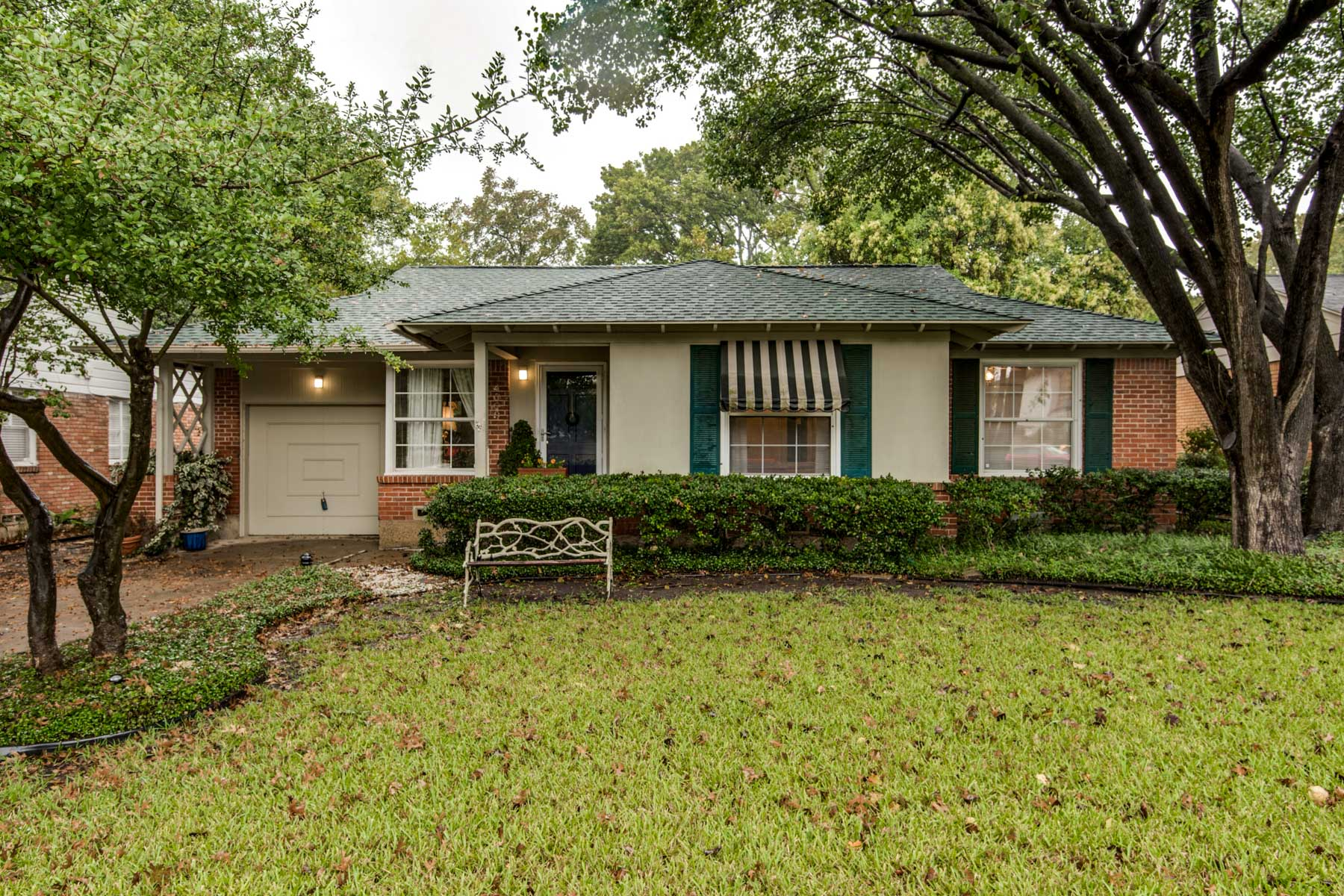 Single Family Home for Sale at Wonderful Opportunity on Beautiful Treed Lot 4009 Park Lane Dallas, Texas, 75220 United States