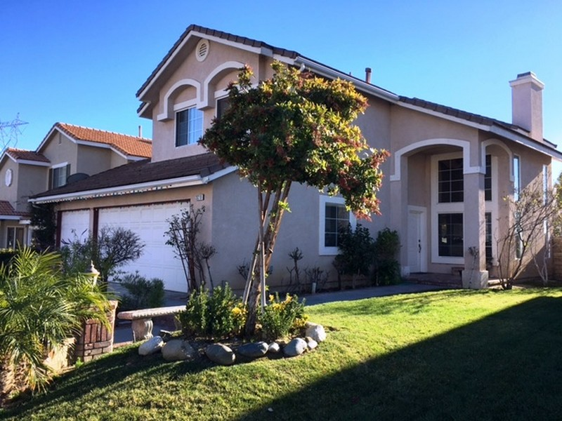 Single Family Home for Sale at 20210 Adriene Way Saugus, California 91350 United States