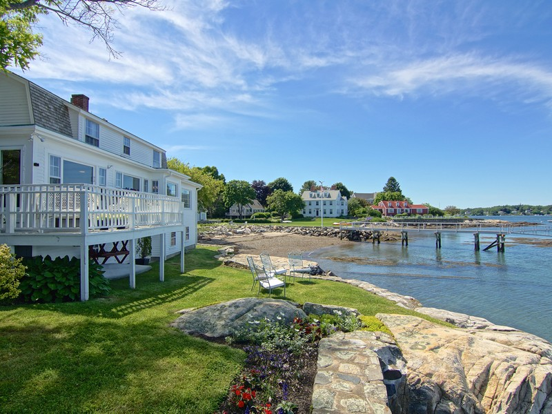Single Family Home for Sale at Classic Island Riverfront Retreat 33 Walbach Street New Castle, New Hampshire 03854 United States