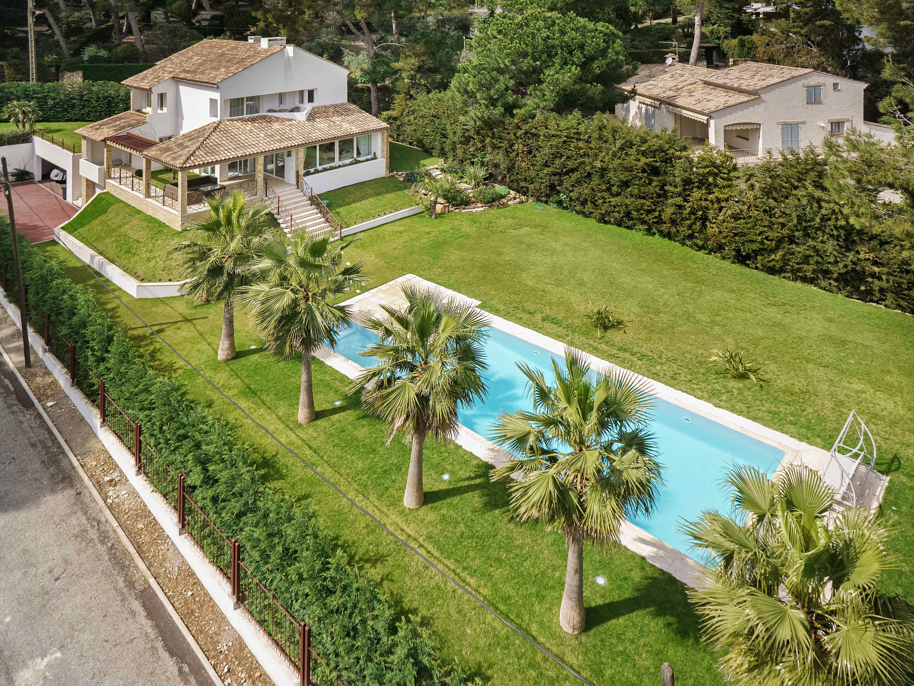 Autre résidentiel pour l Vente à An Oasis in the heart of the Cap d'Antibes Cap D'Antibes, Provence-Alpes-Cote D'Azur 06160 France