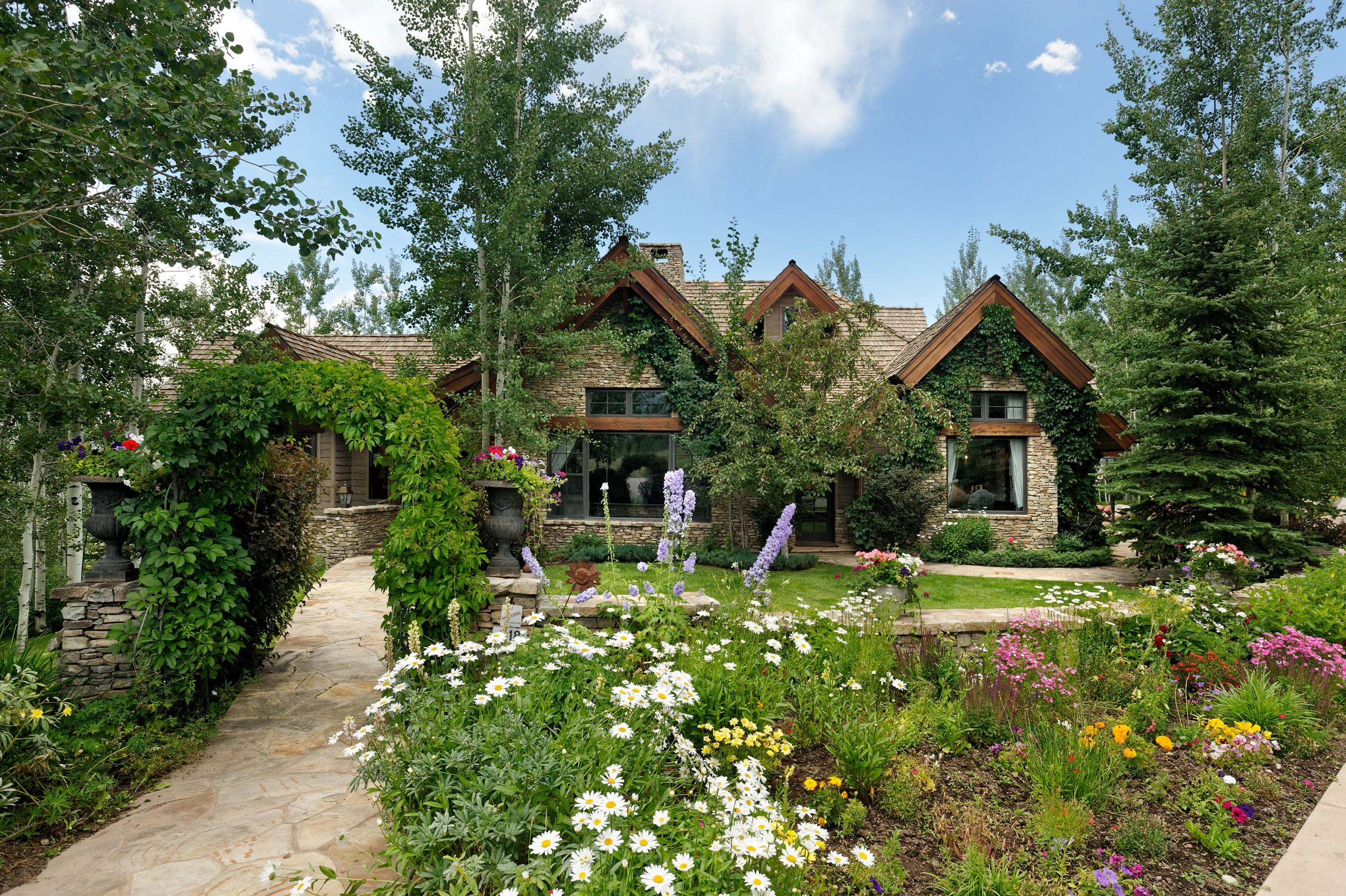 獨棟家庭住宅 為 出售 在 Private Lift Access in Five Trees 18 Cascade Lane Aspen, 科羅拉多州, 81611 美國