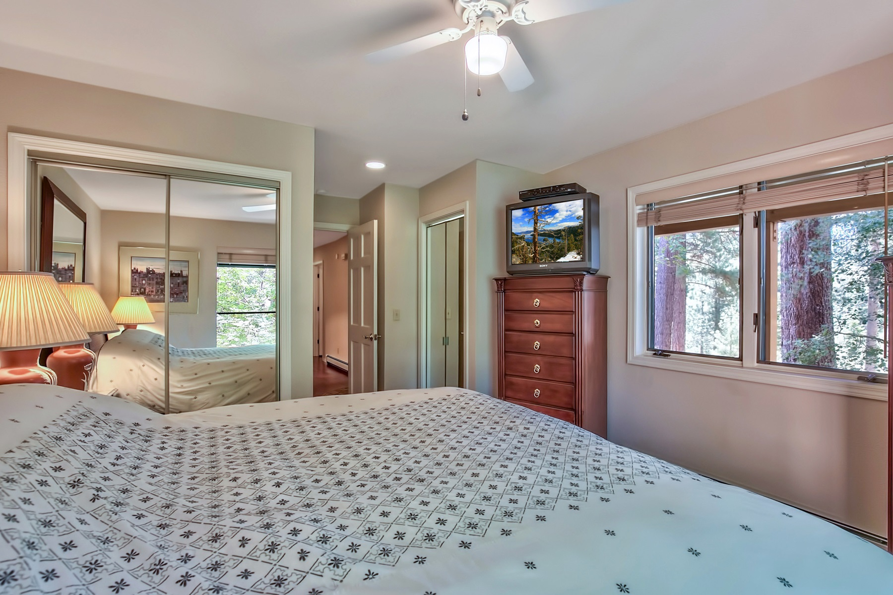 Additional photo for property listing at 947 Incline Way #165  Incline Village, Nevada 89451 United States