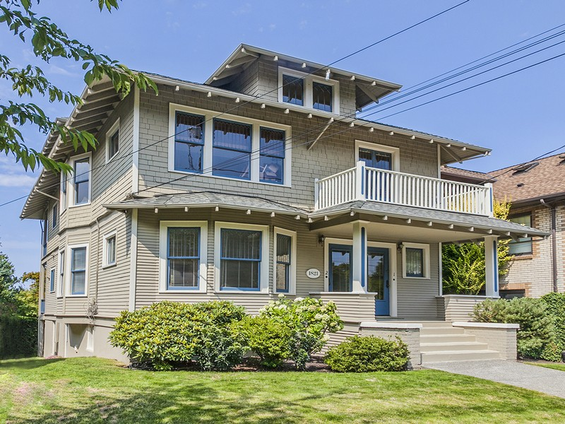 Multi-Family Home for Sale at 1821 Federal Avenue E Seattle, Washington 98102 United States