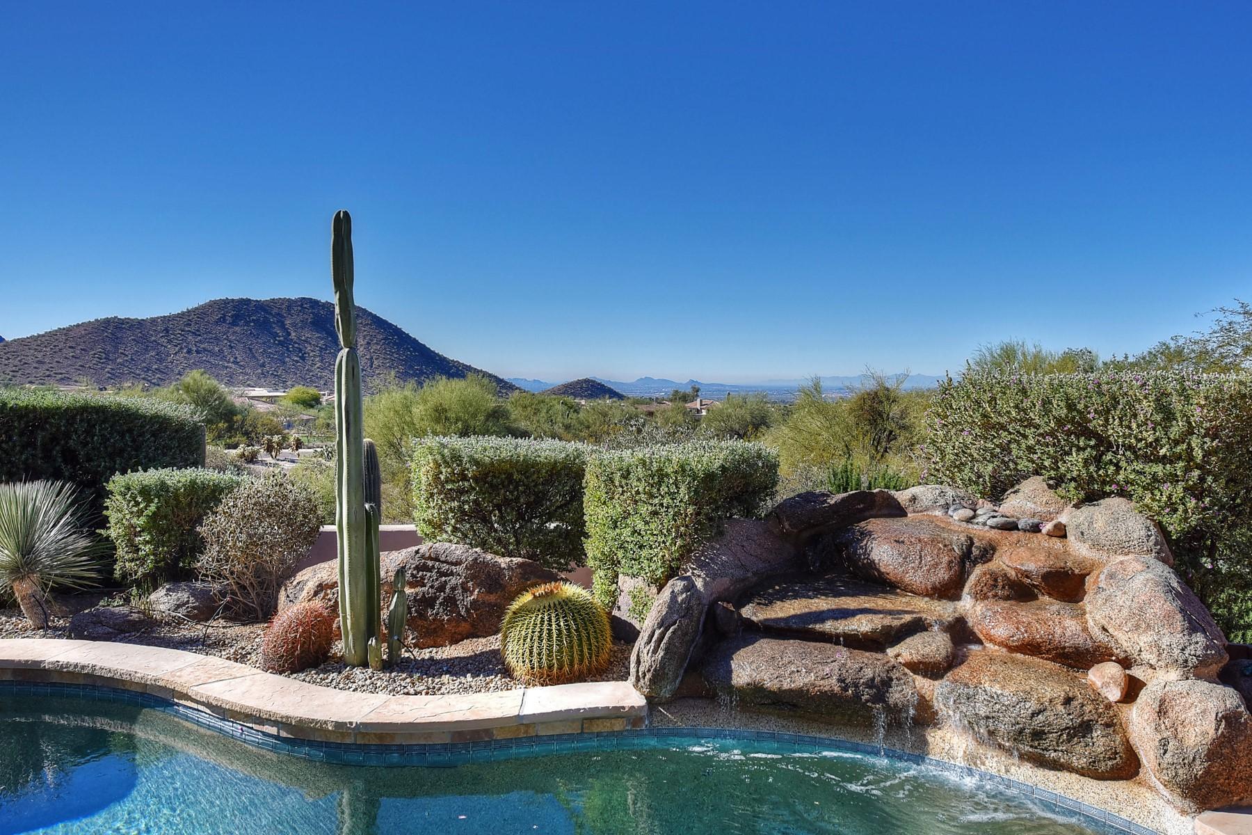 단독 가정 주택 용 매매 에 Lovely home in the desirable gated community of Quail Ridge 10975 E Turnberry Rd Scottsdale, 아리조나, 85255 미국
