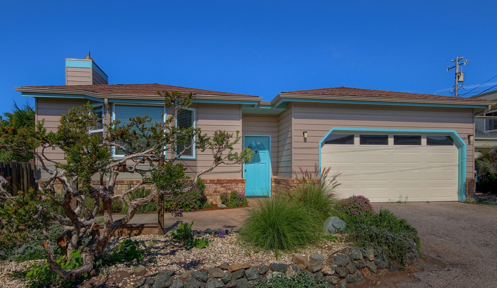Single Family Home for Sale at Chatham 235 Chatham Cambria, California 93428 United States