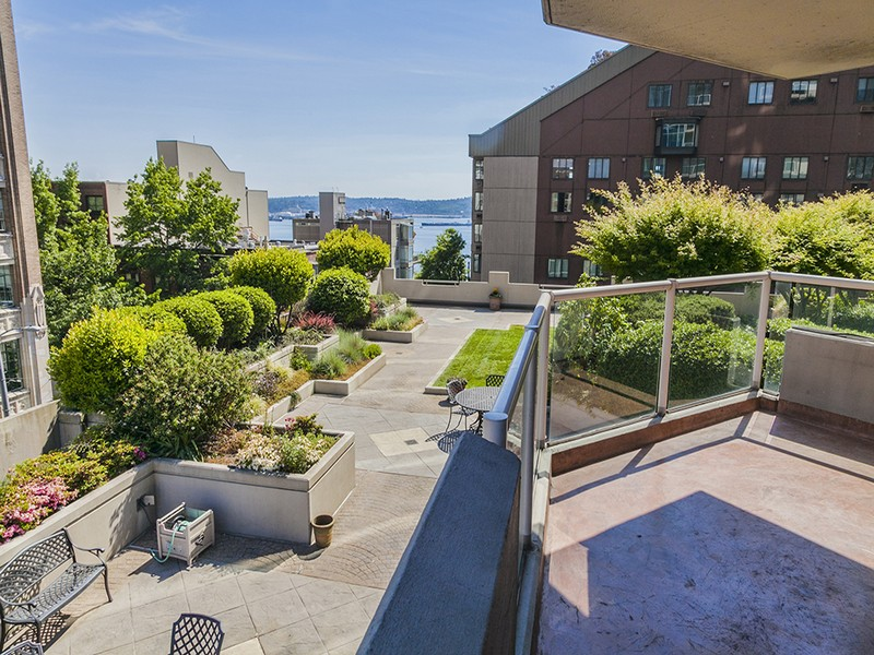 Single Family Home for Sale at One Pacific Tower #604 Seattle, Washington 98121 United States