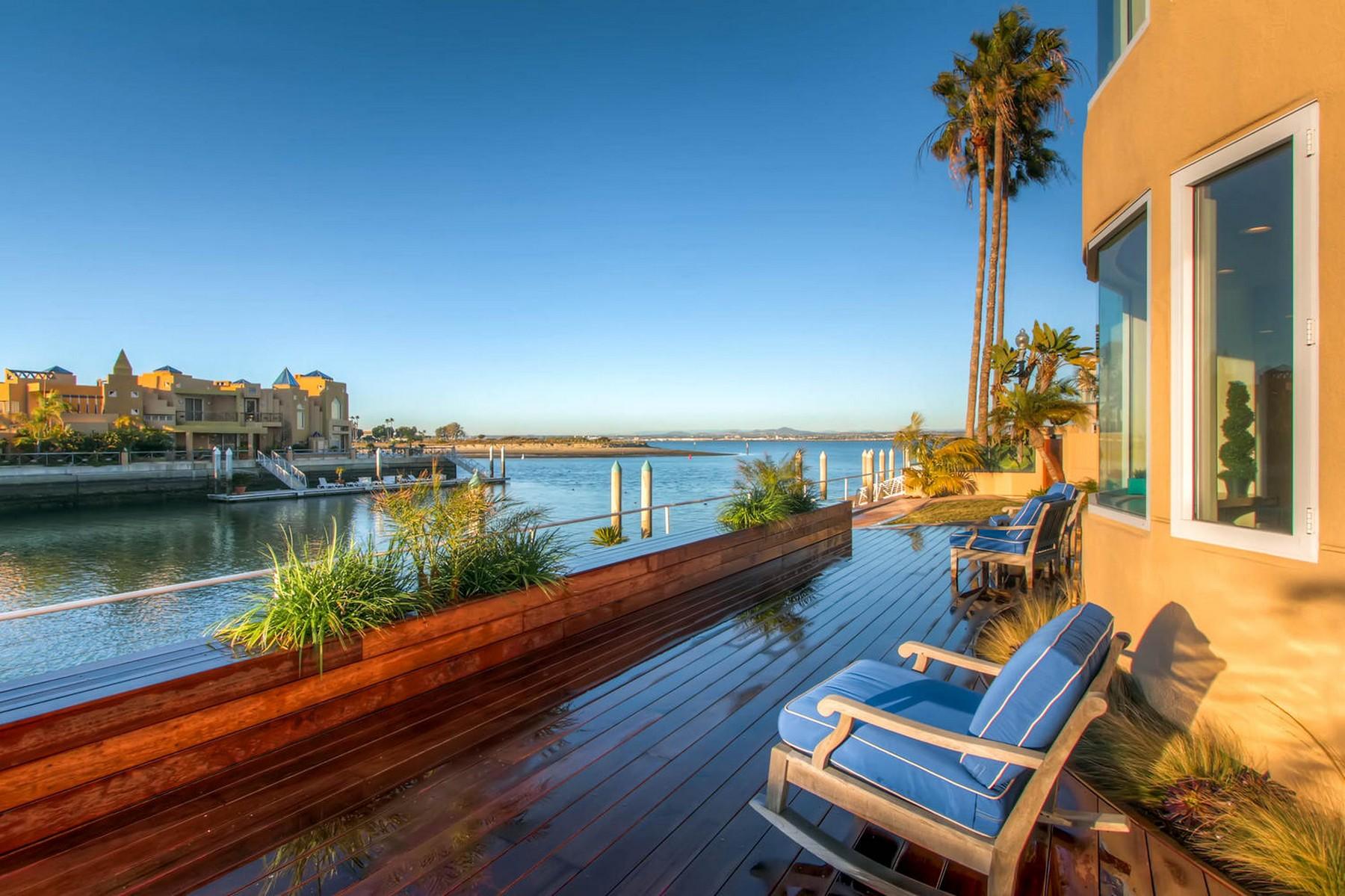 Additional photo for property listing at 4 Spinnaker Way  Coronado, California 92118 United States