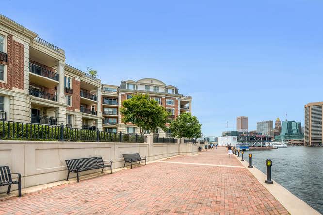 Condomínio para Venda às The Ritz-Carlton Residences 801 Key Highway #411 Baltimore, Maryland, 21230 Estados Unidos