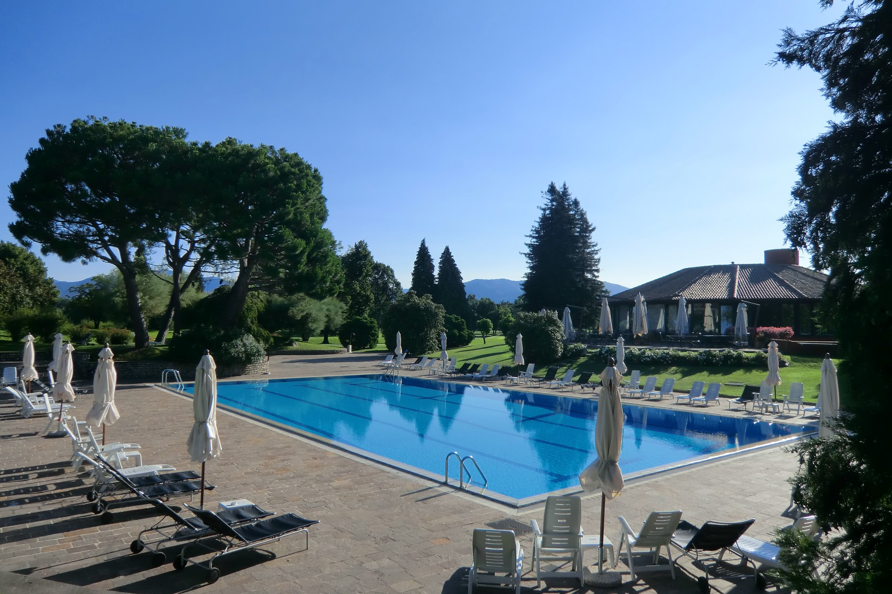 Additional photo for property listing at Apartment in Golf Club Monticello Via Volta Monticello, Como 23876 Italy