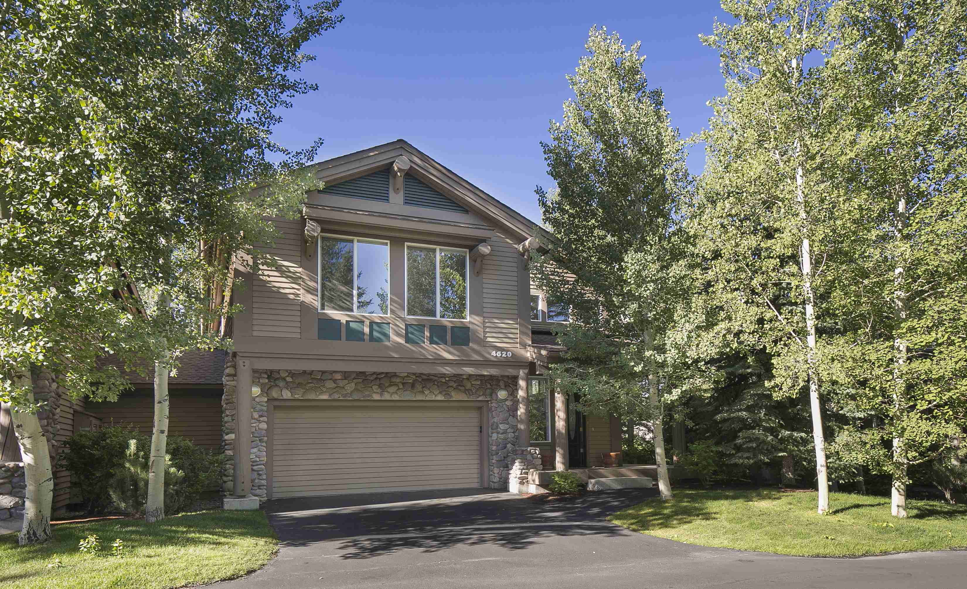 Condomínio para Venda às Bright and Spacious 4620 Arrowwood Condo Dr Elkhorn, Sun Valley, Idaho 83353 Estados Unidos