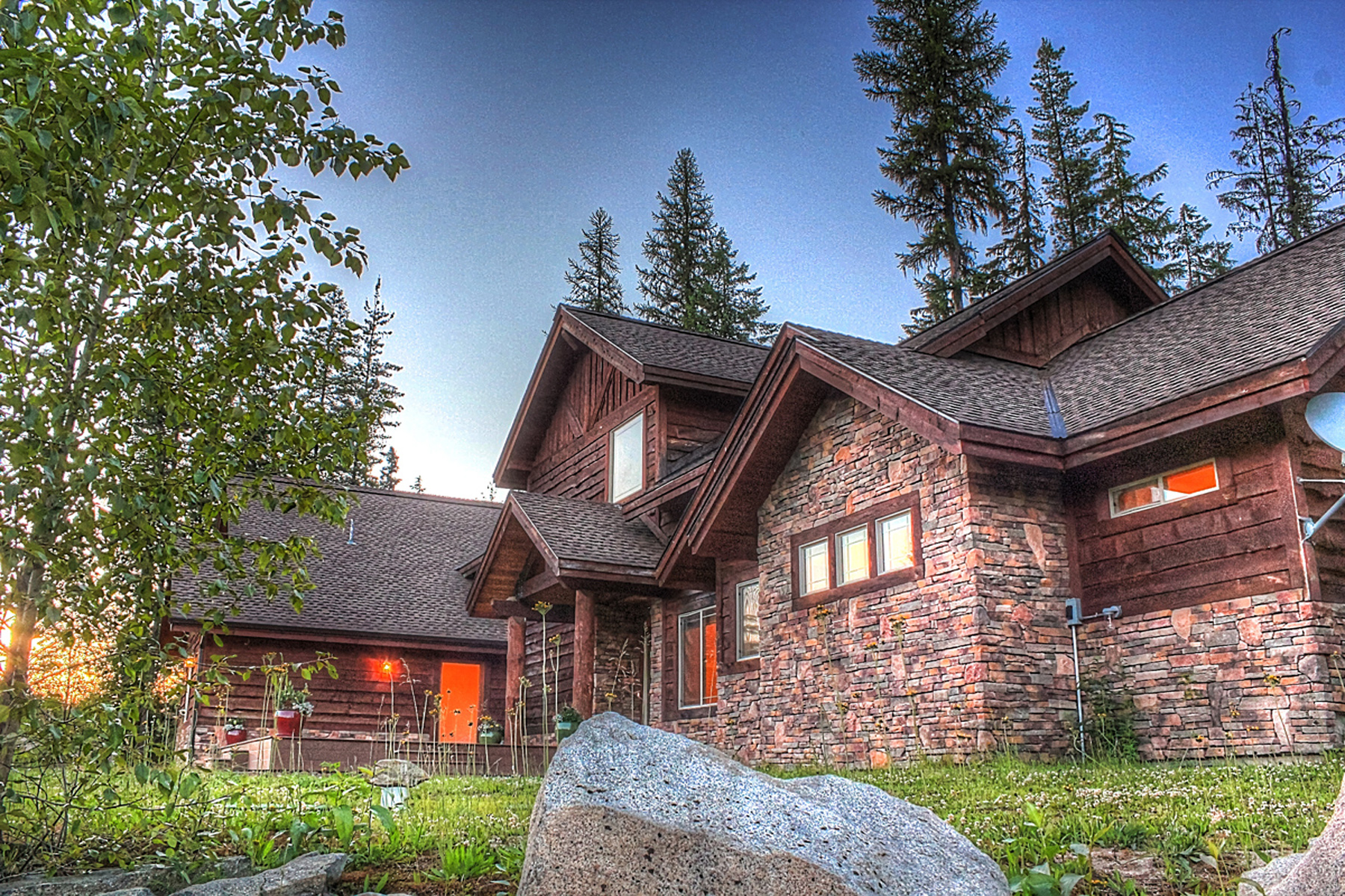 Property For Sale at Dramatic custom home located in the Priest Lake Golf Course