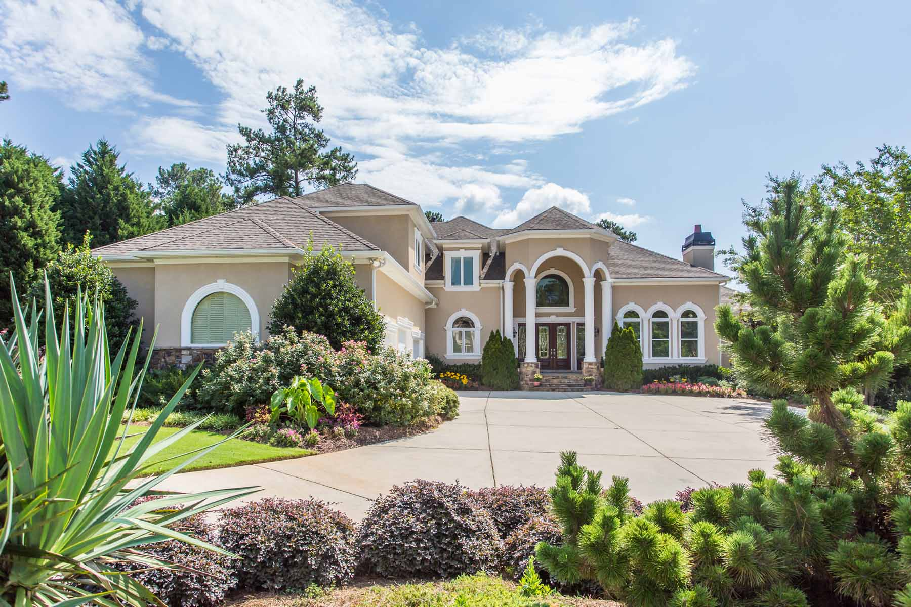 Villa per Vendita alle ore Private Oasis Close to Everything in McDonough! 404 Castle Rock McDonough, Georgia 30253 Stati Uniti