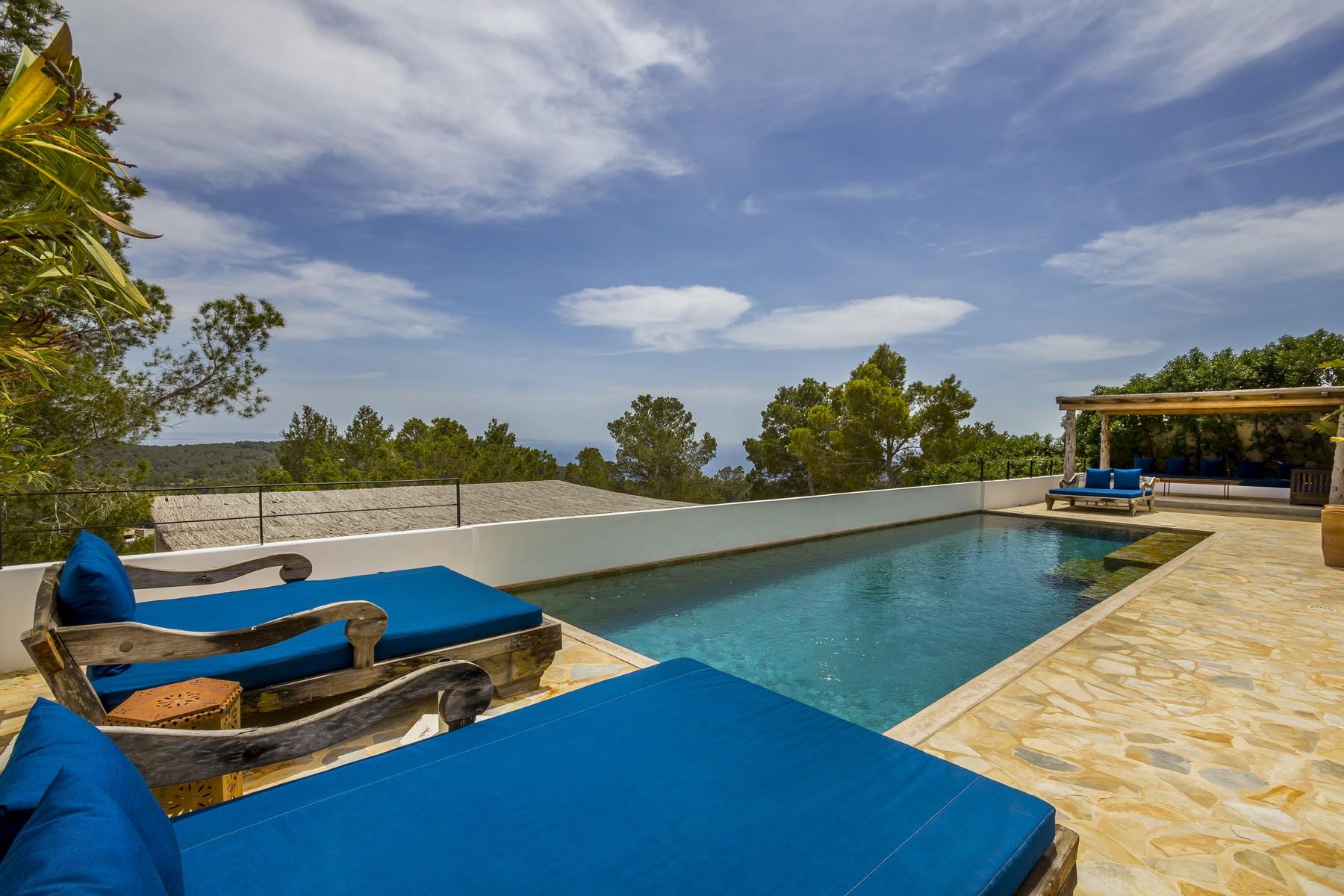 Einfamilienhaus für Verkauf beim Villa mit Meer- und Landblick in Es Cubells Sant Josep, Ibiza 07830 Spanien