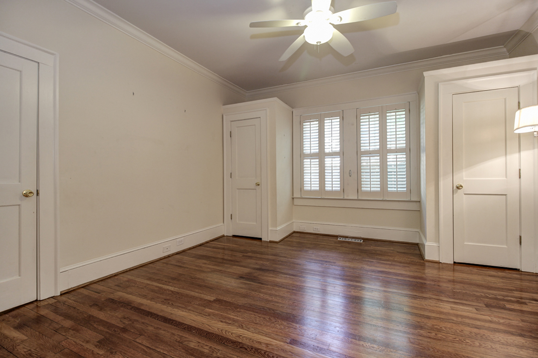 Additional photo for property listing at Virginia Highlands Bungalow 618 Cresthill Avenue Atlanta, Georgia 30306 Hoa Kỳ