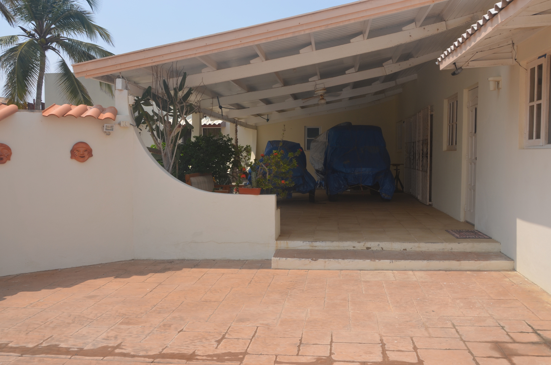 Additional photo for property listing at On level Villa infront of the Caribbean Ocean 阿鲁巴其他地方, 阿鲁巴岛上的城市 阿鲁巴岛