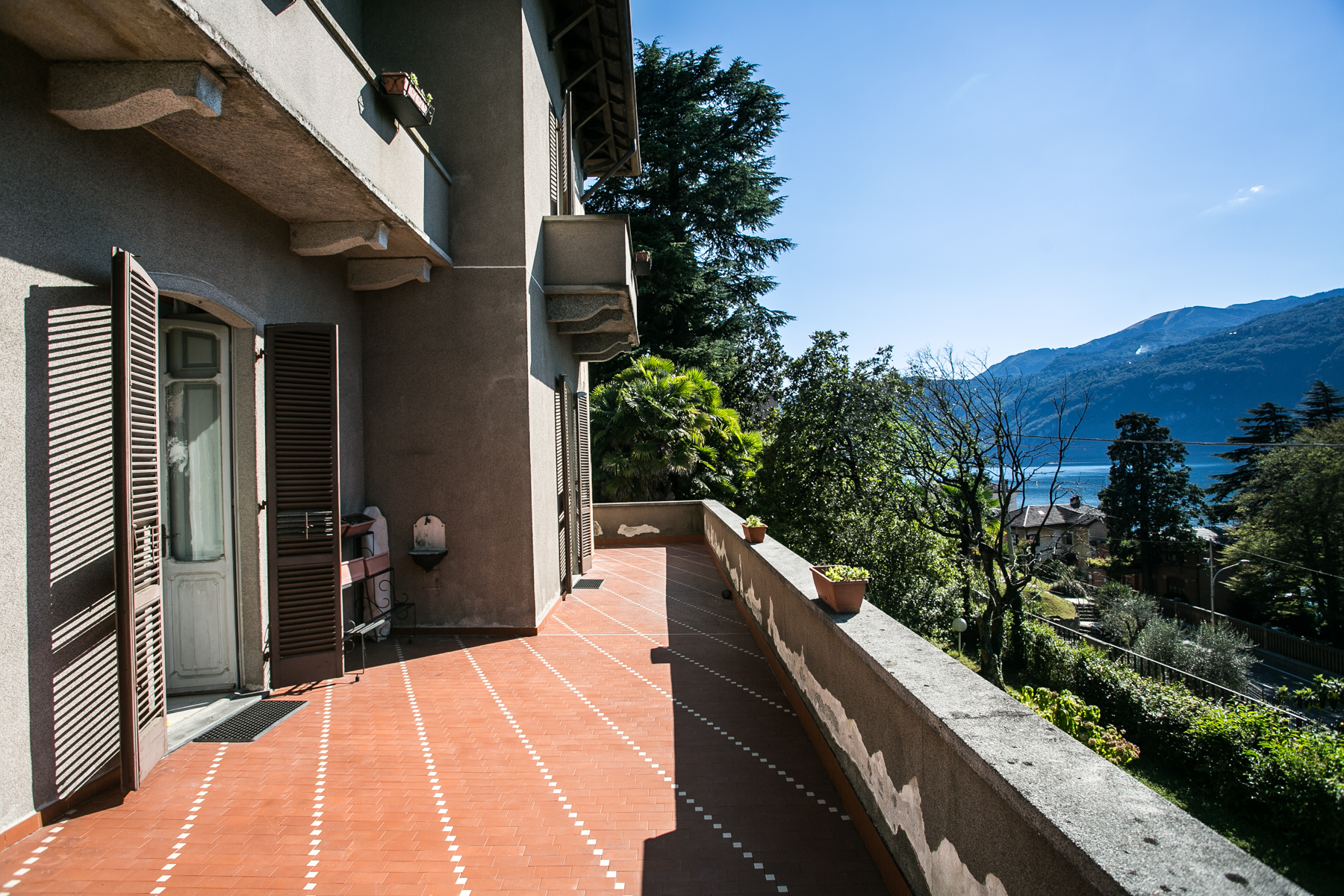 Additional photo for property listing at Splendid villa of the first years of '900 Via Ducale Lierna, Lecco 23827 Italia