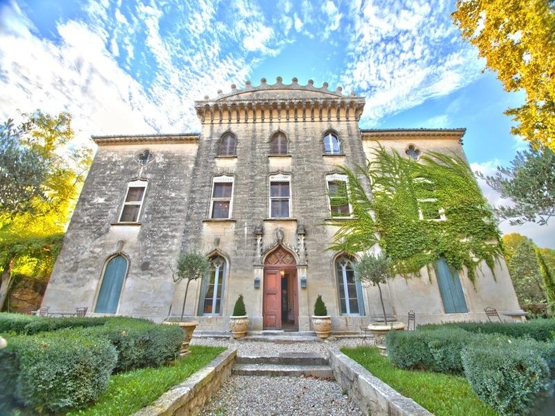 Casa Multifamiliar por un Venta en CHÂTEAU VÉNITIEN ENTRE NÎMES ET MONTPELLIER Montpellier, Languedoc-Rosellón 34000 Francia