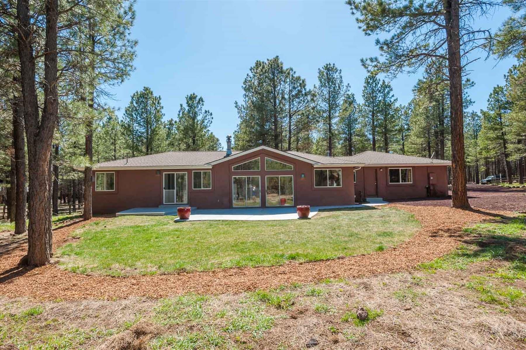 独户住宅 为 销售 在 A rare opportunity to purchase a brilliantly designed and complimented home. 8150 Enchanted Gardens LN Flagstaff, 亚利桑那州 86001 美国