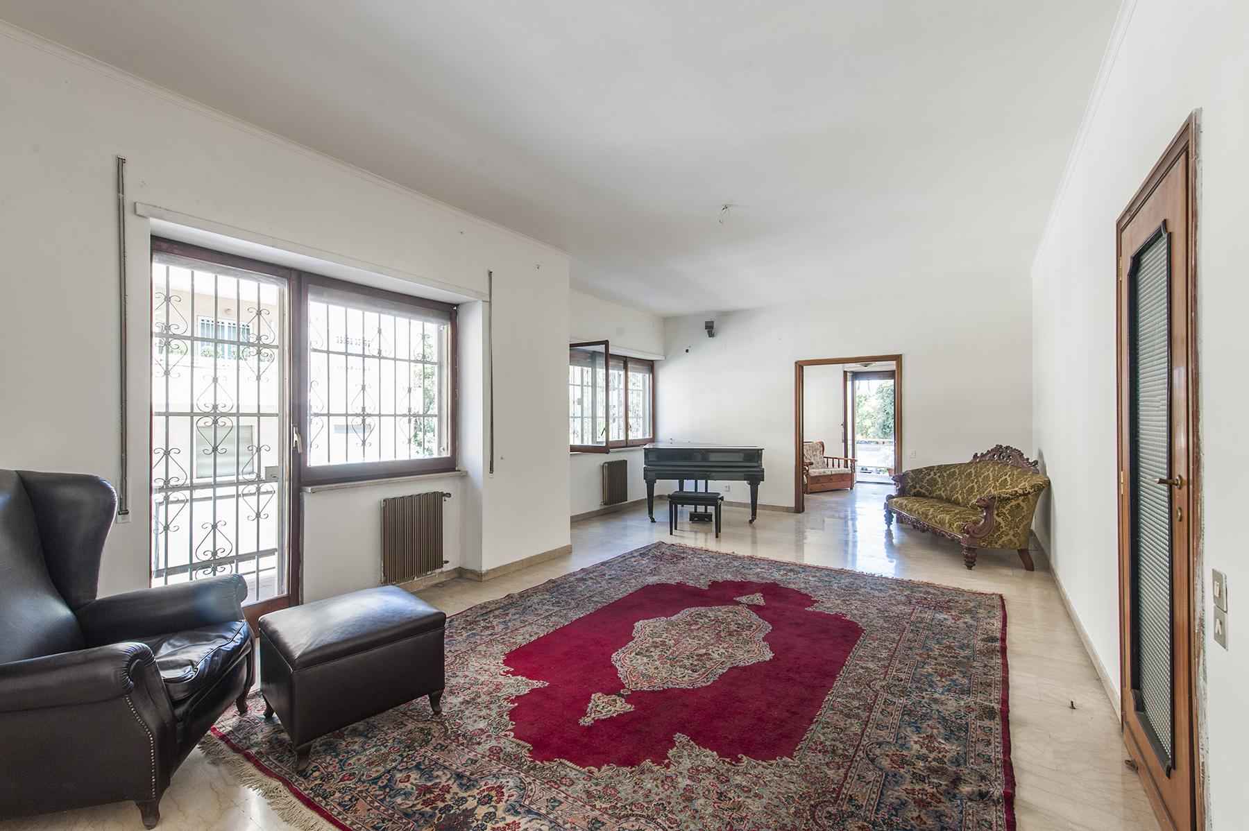 Apartamento por un Venta en Elegant apartment, bright and charming Via Monte delle Gioie Rome, Roma 00199 Italia