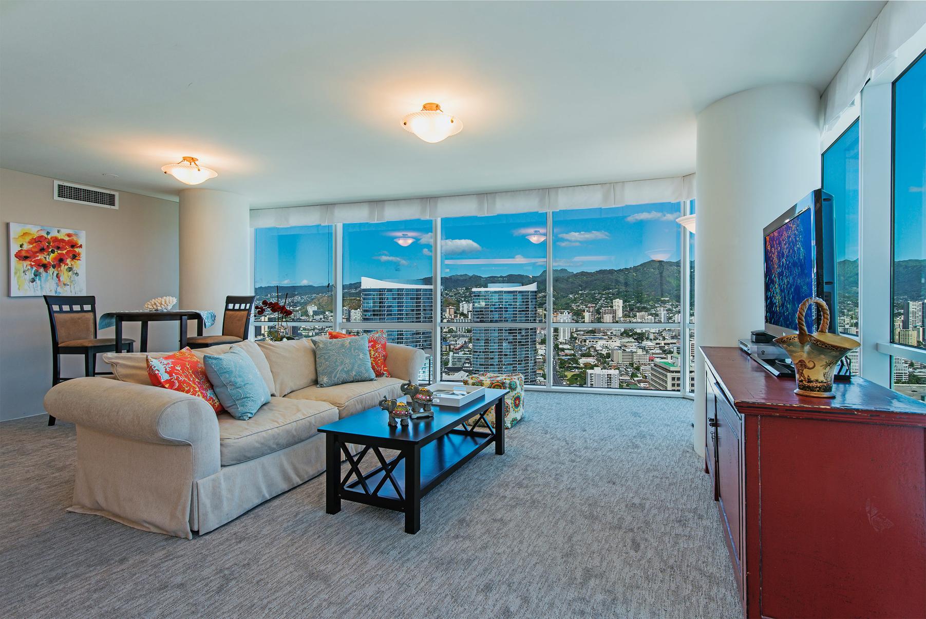 Casa Unifamiliar por un Venta en Luxury in the Sky 88 Piikoi Street #4303 Kakaako, Honolulu, Hawaii, 96813 Estados Unidos