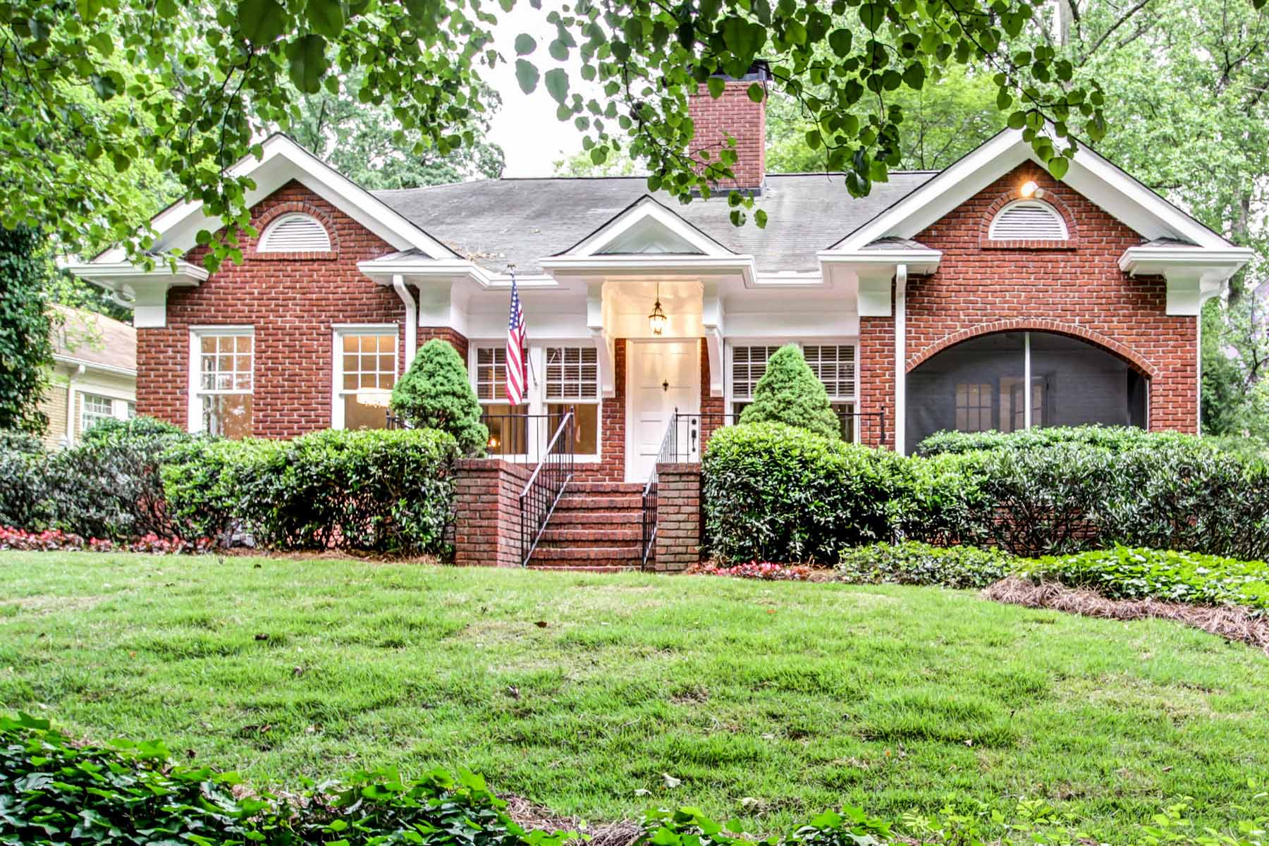 獨棟家庭住宅 為 出售 在 Updated and Expanded 1929 Traditional with Classic Architecture 1507 Emory Road Druid Hills, Atlanta, 喬治亞州, 30306 美國