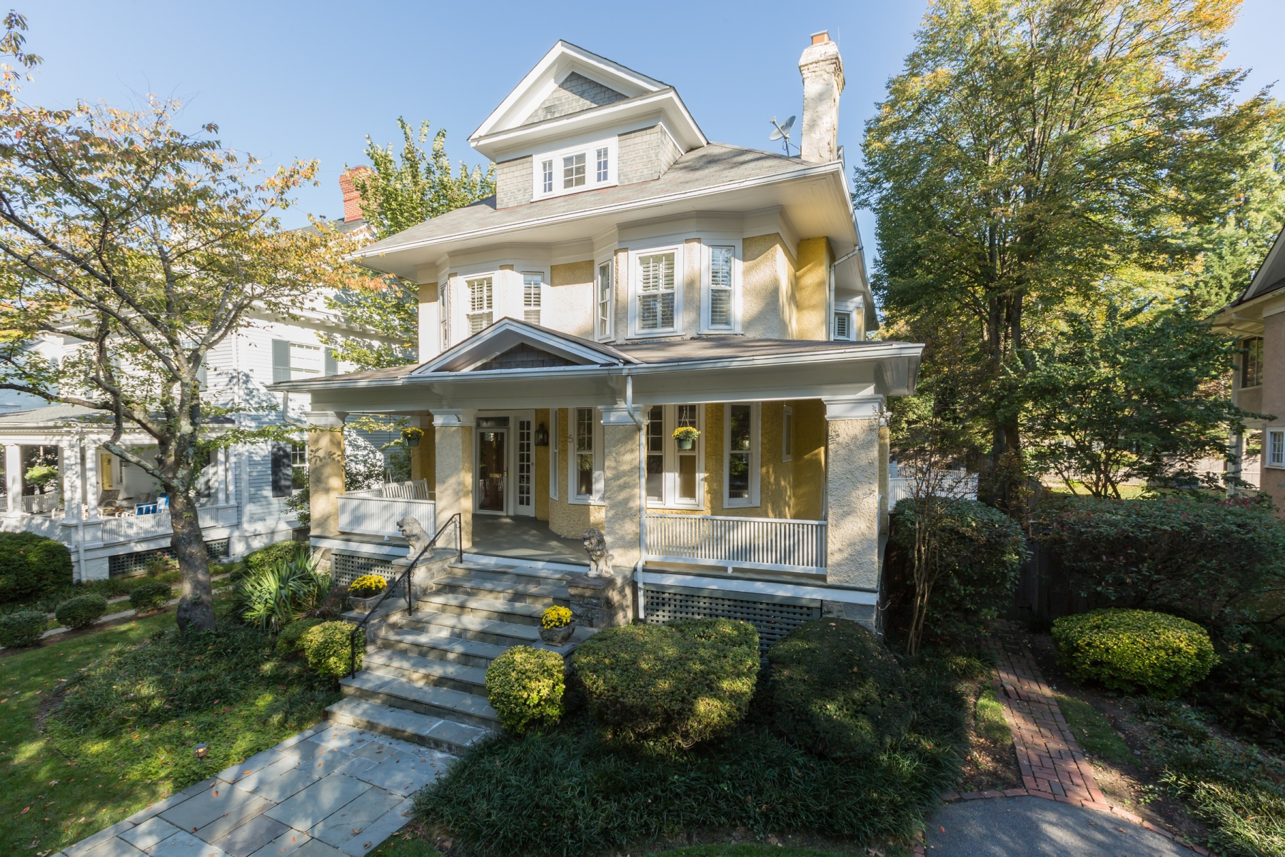 Single Family Home for Rent at 5 Irving Street E, Chevy Chase Chevy Chase, Maryland 20815 United States
