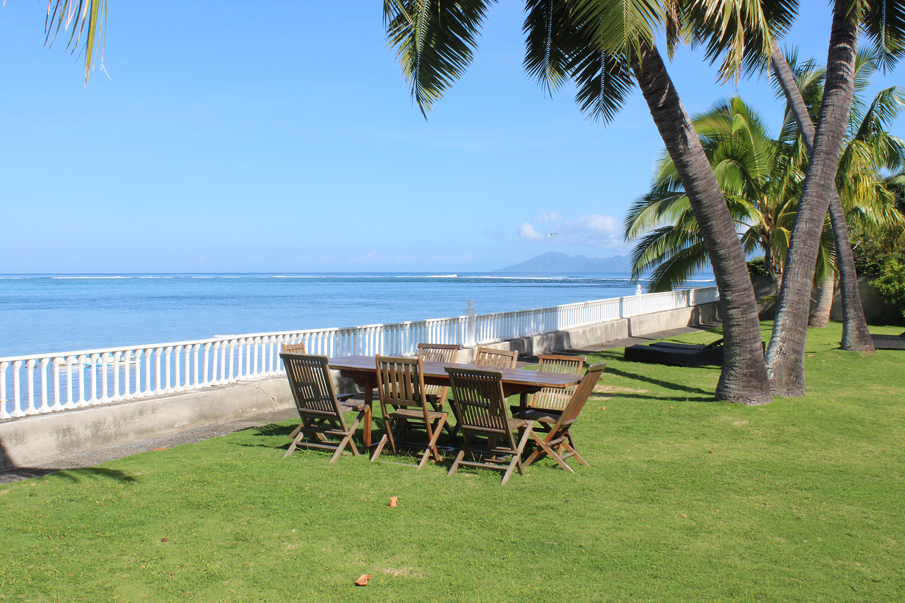 Single Family Home for Sale at luxurious property in front of the lagoon Musée des îles Punaauia, Tahiti 98718 French Polynesia