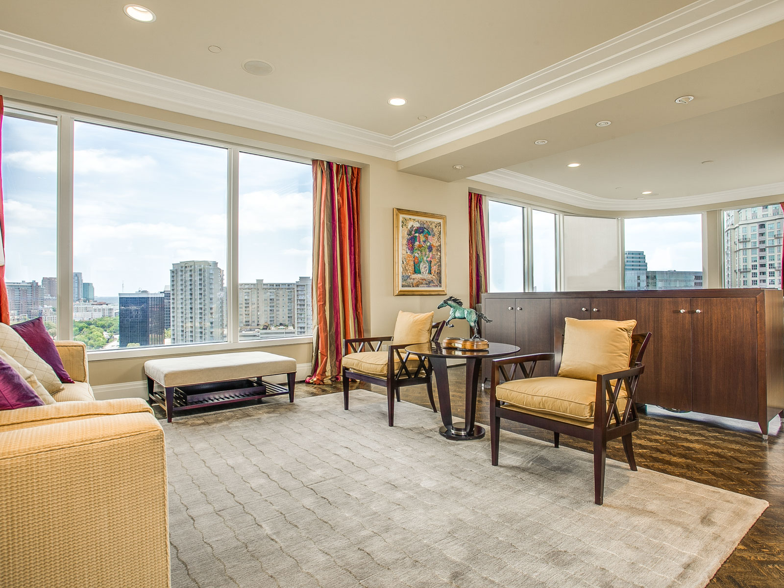 Piso por un Venta en Premier Unit at The Claridge 3510 Turtle Creek Blvd. #12D Dallas, Texas 75219 Estados Unidos