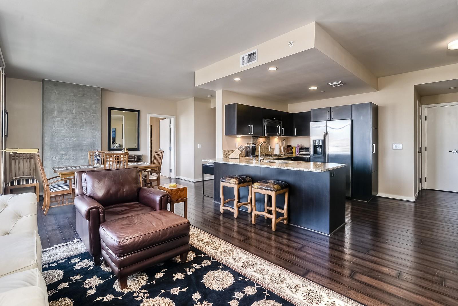 Appartement en copropriété pour l Vente à 800 The Mark Lane, #1001 East Village, San Diego, Californie, 92101 États-Unis