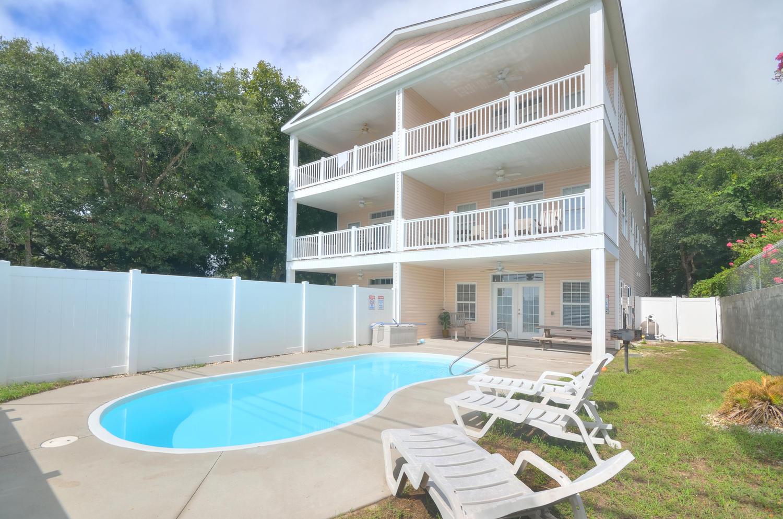 콘도미니엄 용 매매 에 Luxury Living at the Beach! 3501 Dunes Street #1 North Myrtle Beach, 사우스캐놀라이나, 29582 미국