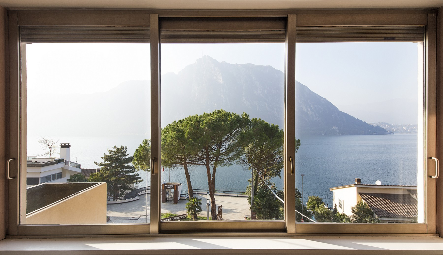 Additional photo for property listing at Magnificent bright apartment overlooking the lake Campione d'Italia Campione D'Italia, Como 22060 Italy