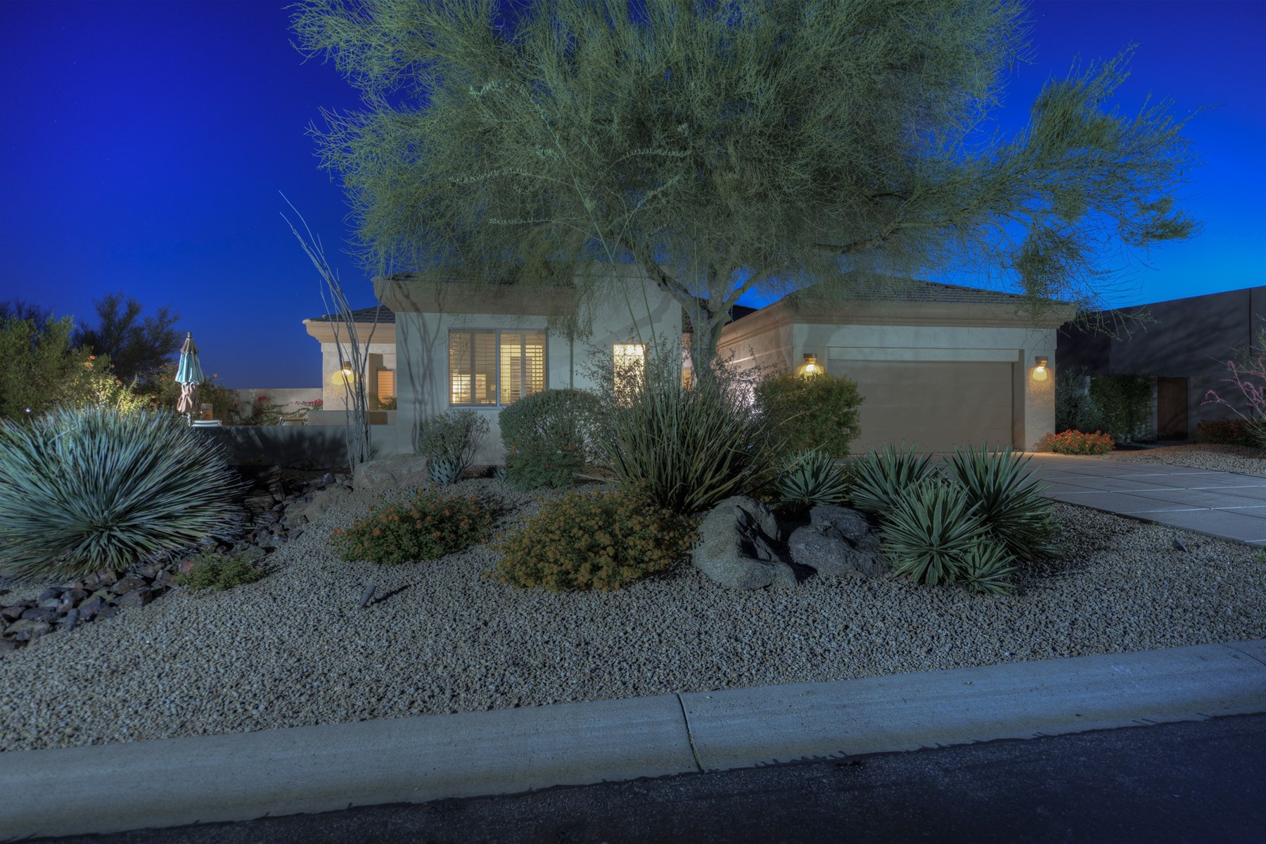 獨棟家庭住宅 為 出售 在 Beautifully Caelum model with a casita 33034 N 71st St Scottsdale, 亞利桑那州, 85266 美國