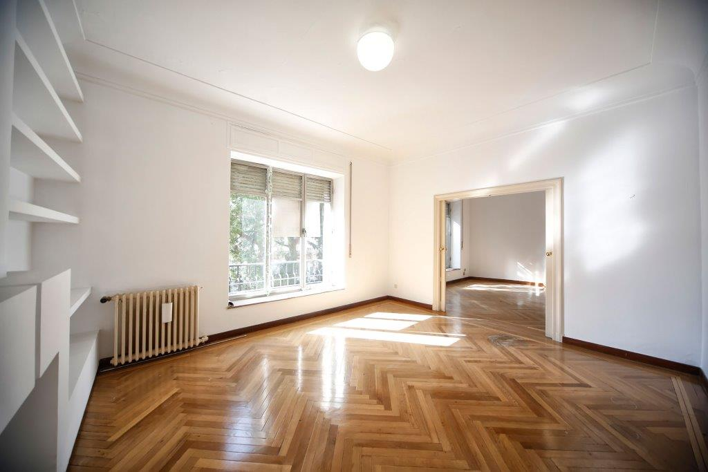단독 가정 주택 용 매매 에 Piso clásico en zona representativa Madrid, 마드리드 스페인