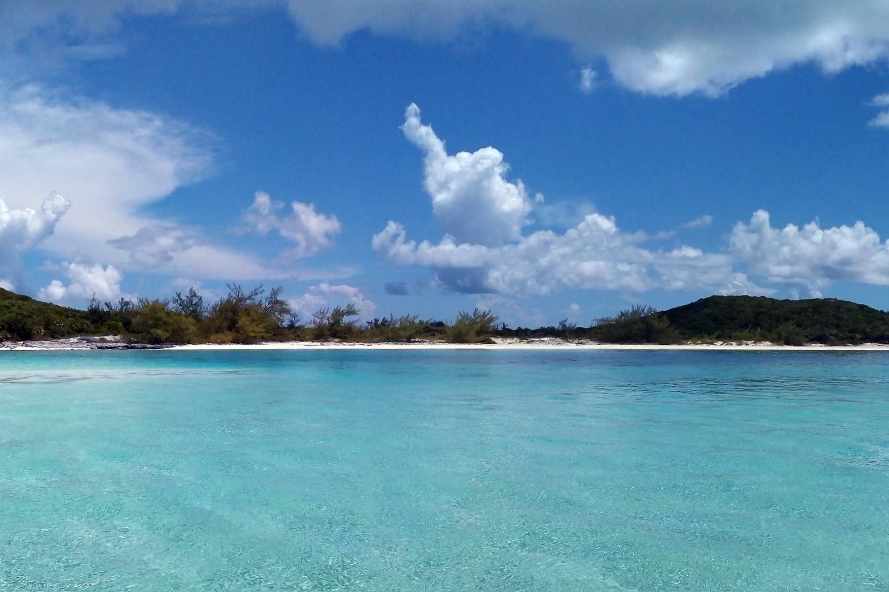 Additional photo for property listing at Saddleback Cay Exuma Cays, Exuma Bahamas