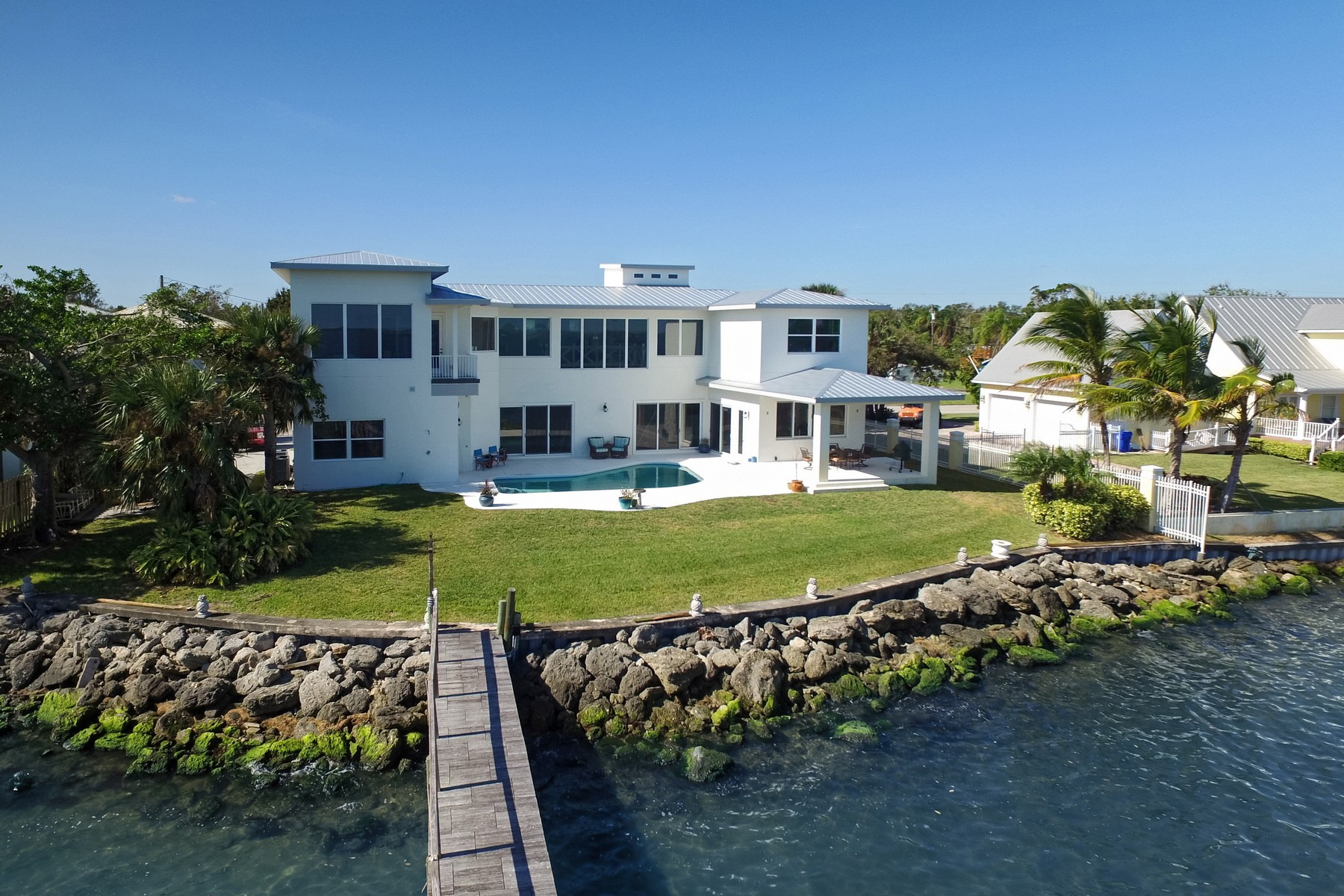 Casa para uma família para Venda às Pelican View 13340 N Indian River Drive Sebastian, Florida, 32958 Estados Unidos