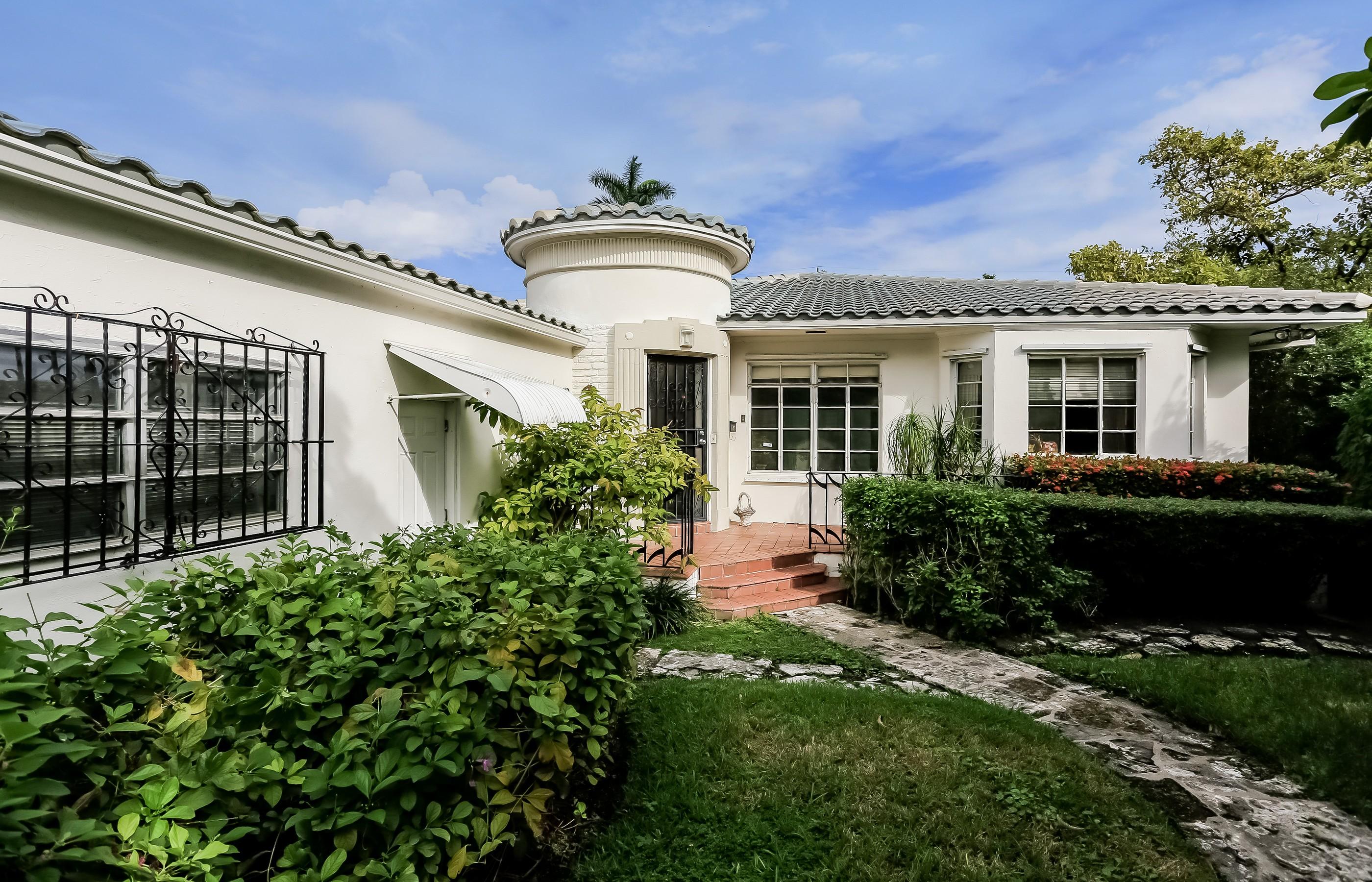 Casa para uma família para Venda às 1711 Michigan Ave Miami Beach, Florida 33139 Estados Unidos