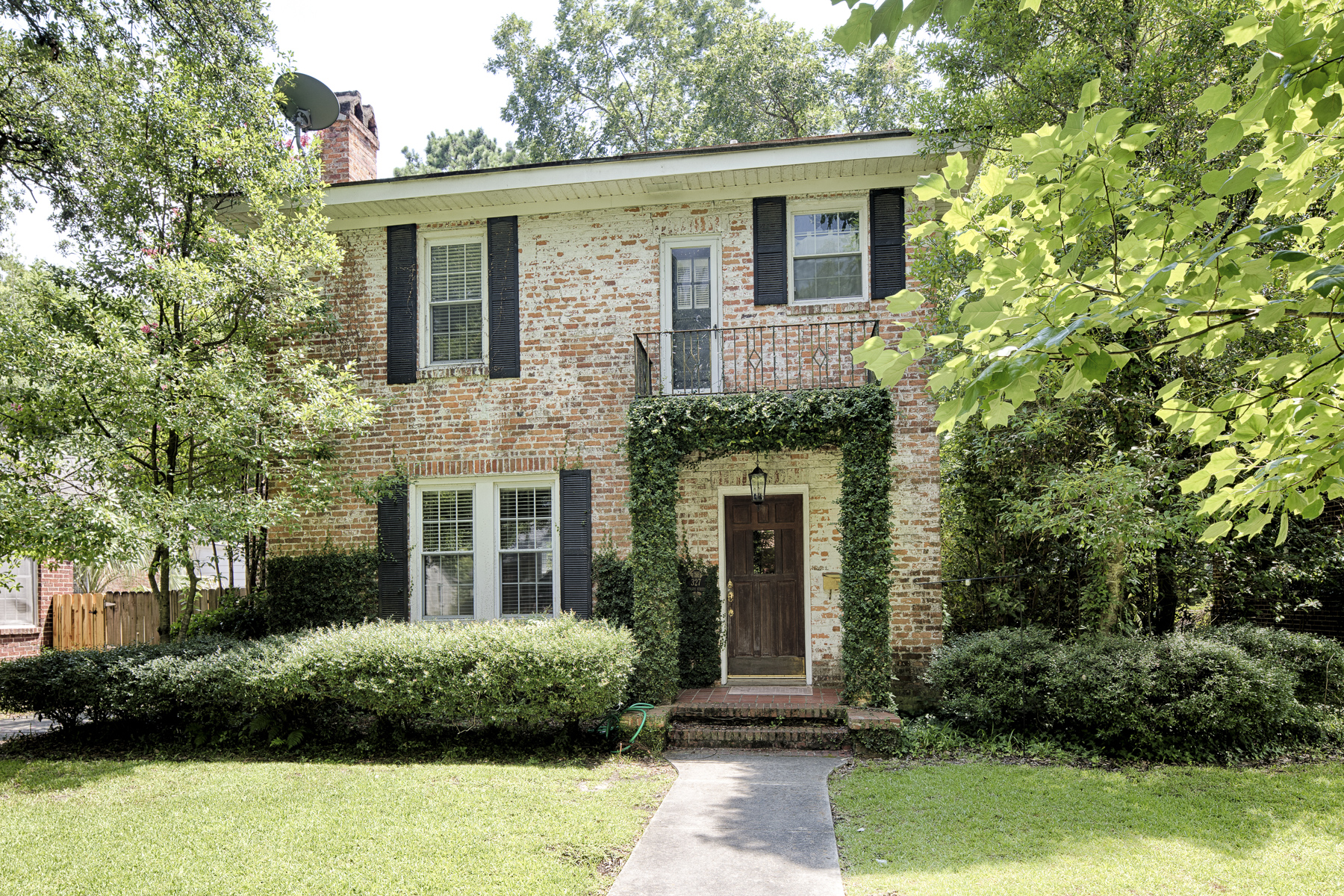Single Family Home for Sale at 327 E. 56th St. 327 East 56th Street Ardsley Park, Savannah, Georgia 31405 United States