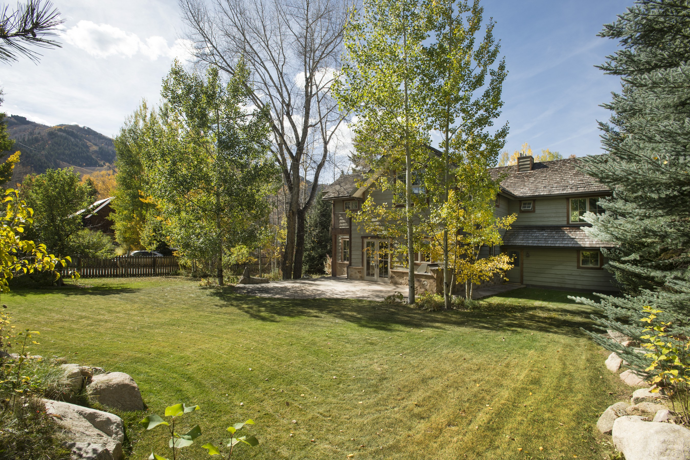 Single Family Home for Sale at Downtown Delight 936 King Street Central Core, Aspen, Colorado, 81611 United States